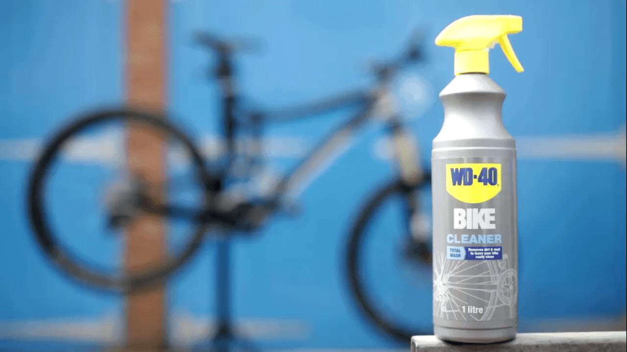 ניקוי אופניים עם WD40
