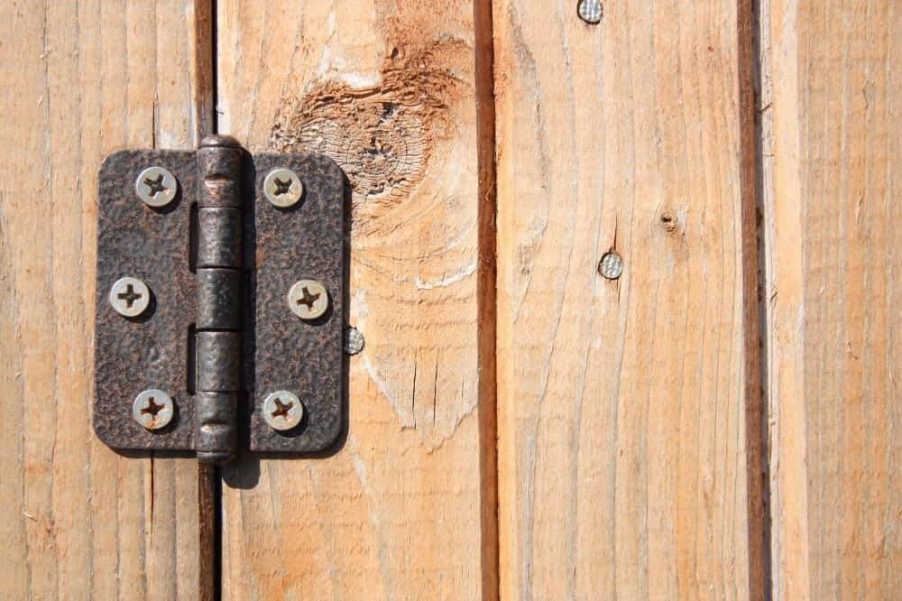 צירי דלתות חורקות וWD40