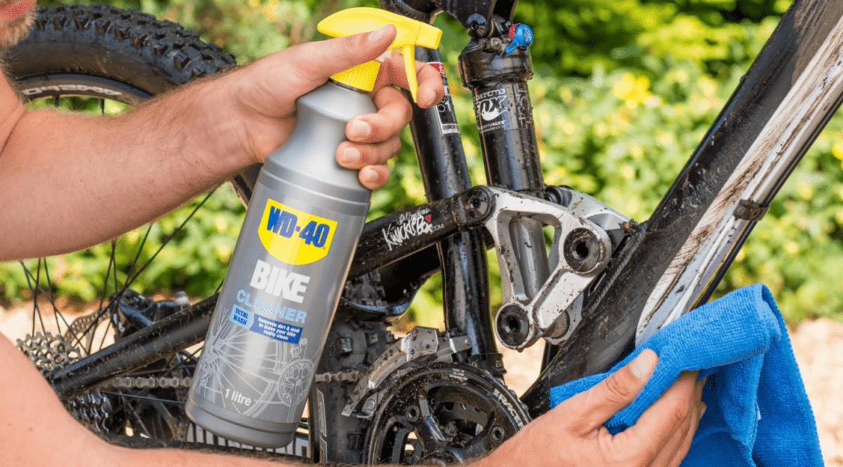 ניקוי אופני הרים עם WD40