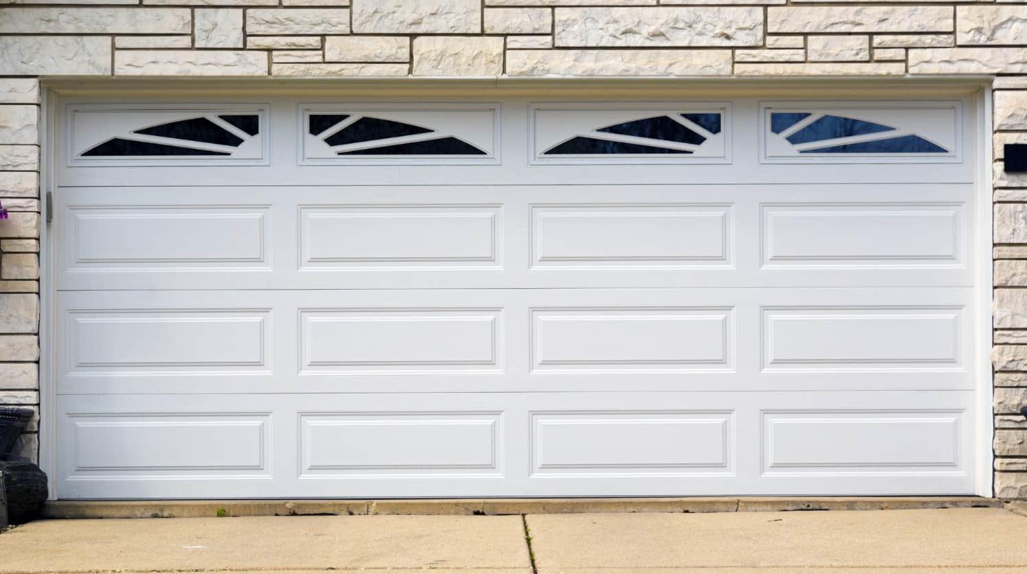 שימון דלתות מוסך עם WD40