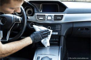 כיצד לנקות את פנים המכונית